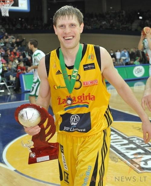 BC Šiauliai. 2008-2009 m. G.Kadžiulis - LKF taurės trečios vietos laimėtojas.