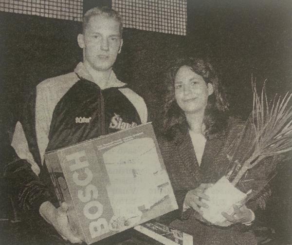 BC Šiauliai. 1998-1999 m. R.Vaičiūnas pasveikintas vestuvių proga